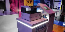 Printer Epson Ini Bisa Ngeprint 6 Ribu Lembar dengan 1 Botol Tinta!