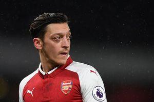 VIDEO - Diisukan Hengkang Dari Arsenal, Pemain Bintang Ini Malah Mengalami Kejadian Sial