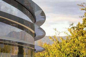 Penjualan iPhone Menurun, Apple Tekan Perekrutan Karyawan Baru