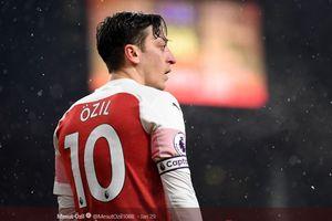 Arsenal Menang, Oezil Kirimkan Pesan Takjub Kepada The Gunners Muda