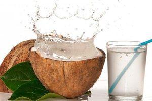 Bukan Mitos, Simak Manfaat Minum Air Kelapa Untuk Kebugaran Tubuh
