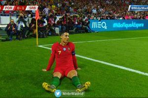VIDEO - Diving Diabaikan Wasit, Cristiano Ronaldo Pukul Lapangan