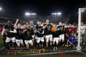 Belajar Kesabaran dari Valencia, Menghayati Kehampaan di Mestalla