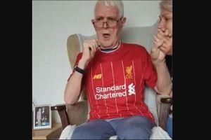 Video Aksi Menyentuh Fan Liverpool Berusia 72 Tahun yang Mengidap Alzheimer