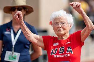 Kisah Julia Hawkins, Nenek Berusia 103 Tahun yang Berhasil Juara Lomba Lari 100 Meter
