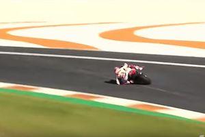 KILAS BALIK - Aksi Gila Marc Marquez Selamatkan Motor dari Kemiringan 64 Derajat pada 153 Km/Jam