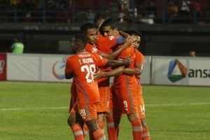 Diwarnai Gagal Penalti, Borneo FC Unggul di Babak Pertama Derbi Kalimantan