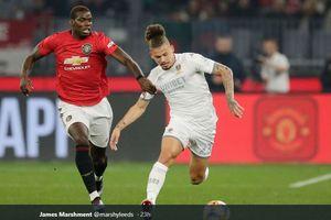 Laga Manchester United Vs Leeds United Berakhir Rusuh Antarsuporter!