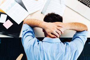 Perlu Diketahui 5 Ciri Kamu Lelah Kerja dan Cara Atasi