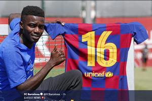Barcelona Segera Lepas Satu Bek ke Klub Pesaing Beratnya di Liga Spanyol?