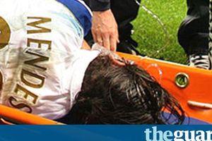 Sejarah Hari Ini - Pedro Mendes Dibuat Pingsan Bek Manchester City