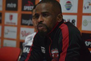 Madura United Dipastikan Kehilangan Greg Nwokolo Hingga Akhir Musim