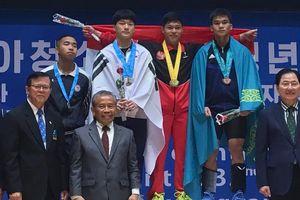 Lifter Indonesia Panen Rekor dan Medali pada Kejuaraan Junior 2019