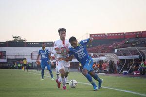 Tiga Gol Penting Frets Butuan di Persib Bandung pada Musim Pertamanya