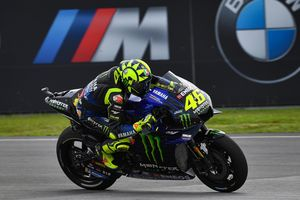Senyum Valentino Rossi Hiasi Krisis yang Tengah Mendera Honda
