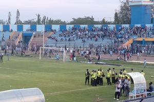3 Kejanggalan Laga Persela Lamongan Versus Badak Lampung FC
