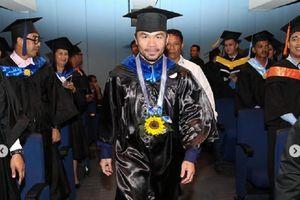 Akhirnya Jadi Sarjana, Manny Pacquiao: Tidak Ada Kata Terlambat!