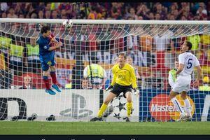 VIDEO - Sundulan 2,74 Meter Lionel Messi di Final Liga Champions Bikin 2 Pemain Man United Melongo