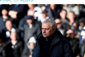 Drama Dele Alli Banting Botol, Jose Mourinho Malah Bilang Begini!