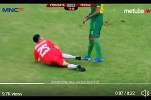 Final Piala Gubernur Jatim 2020 - Tendang Kaki Riko, Alwi Slamat Luput dari Pantauan Wasit