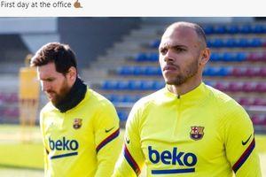 VIDEO - Martin Braithwaite Gagal Pamer Skill Saat Perkenalan di Stadion Barcelona