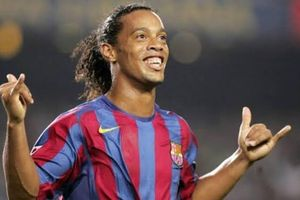 Ronaldinho Bikin Masalah Lagi, Kali Ini dengan Para Wanita