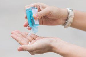 Jangan Asal! Penggunaan Hand Sanitizer Bagi Perokok Ternyata Bisa Berbahaya