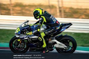 Jadi Penggemar, Bos Ducati Minta Valentino Rossi Bertahan 1 Tahun Lagi