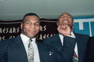 Takut Babak Belur, Raja KO Sengaja Hindari Mike Tyson Sepanjang Kariernya