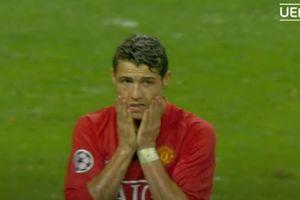 VIDEO - Momen Ketika Luis Nani Diamuk Karena Curi Gol Cristiano Ronaldo, Disebut Tidak Benar!