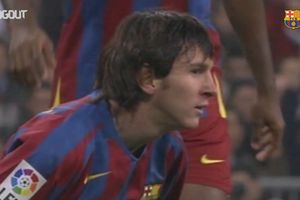 VIDEO - Debut Messi di El Clasico, Usia 18 Tahun Dilanggar Zidane dan Roberto Carlos, Cetak 1 Assist