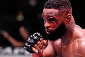 UFC Fight Night Vegas - Duel Berdarah, Petarung Ini Buat Alis Mantan Juara Robek!