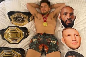 Mantan Raja Dua Divisi Balas Menohok Sindiran Petarung Laga Ecek-ecek UFC 259
