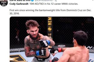 UFC 250 - Mantan Juara Bangkit dari Kubur, Bikin Lawan KO hingga Dipuji Mike Tyson