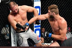 UFC 251 - Debut Liar UFC, Petarung Ini Bikin Ambruk Musuhnya dengan Bogem Maut