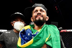 Punya Masalah Pribadi, Raja Kelas Terbang Janji Hancurkan Lawannya di UFC 256
