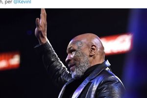 Mike Tyson dan Lenox Lewis Kompak Akui Sosok Ini Sebagai Rival Terberat Selama Karier Mereka