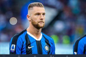 Manchester United Siap Umpankan Satu Bek Tengah demi Bintang Inter Milan