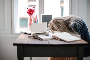 Kenali Penyebab Kelelahan Ekstrim untuk Menemukan Solusinya