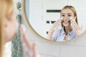 Jangan Sembarangan, Ini Tips Pilih Sabun Muka yang Benar Berdasarkan Jenis Kulit