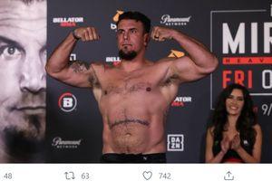 Juara Kelas Berat UFC Jadul Pindah ke Ajang Adu Jotosan Brutal