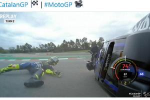 MotoGP Catalunya 2020 - Apes, Inilah Detik-detik Insiden yang Bikin Valentino Rossi Gagal Finis Lagi