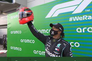 Positif Covid-19, Lewis Hamilton Kecewa Berat Tak Bisa Balapan