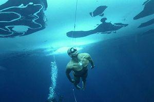 Inilah Salah Satu Manusia yang Punya Rekor Paling Lama Menyelam