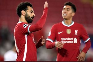 Babak I Liverpool Vs West Ham United - Lini Belakang Blunder, Si Merah Selamat Berkat Penalti Mo Salah