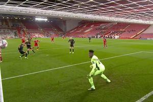 Sekali Kena Tiang Gawang, Liverpool Ditahan Imbang Ajax di Babak I