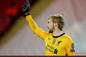 VIDEO - Penyelamatan Super, Kiper Bau Kencur Liverpool Mentahkan Sundulan Striker Buangan Real Madrid