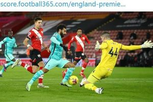 Mohamed Salah Isyaratkan Masih Ingin Bertahan di Liverpool