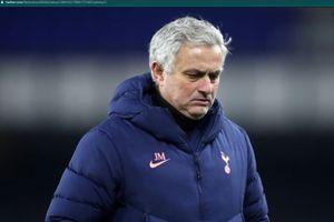 Belum Juga Resmi Ngelatih, Jose Mourinho Sudah Nongol di Roma