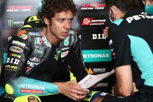 MotoGP Jerman 2021 - Petronas Siap Lepas Rossi yang Makin Buruk, Apalagi Gara-gara Hal Ini